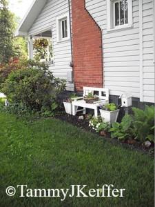 Side Lawn   Image 3